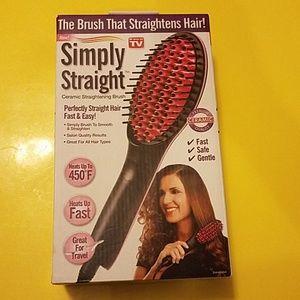 BNWT Simply Straight Ceramic Straightening Brush